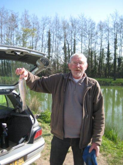 22/03/2011 - Jean-Jacques et sa grooossse truite